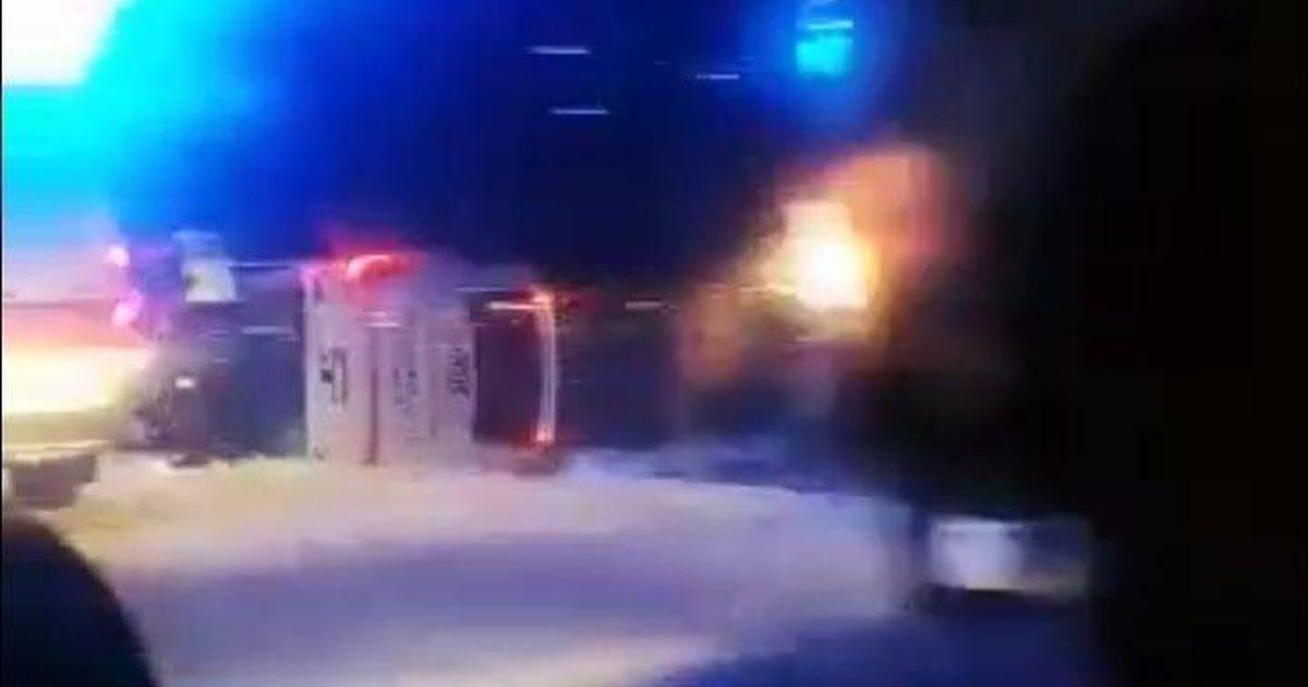 Автобус Нарва-Таллинн вылетел в кювет и перевернулся: пострадавших увезли на скорой