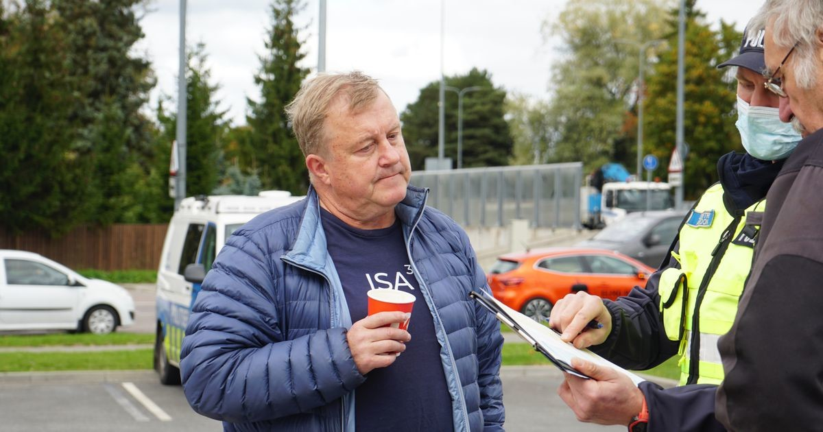 Айвар Мяэ попал в аварию на своей раритетной Волге в Таллинне