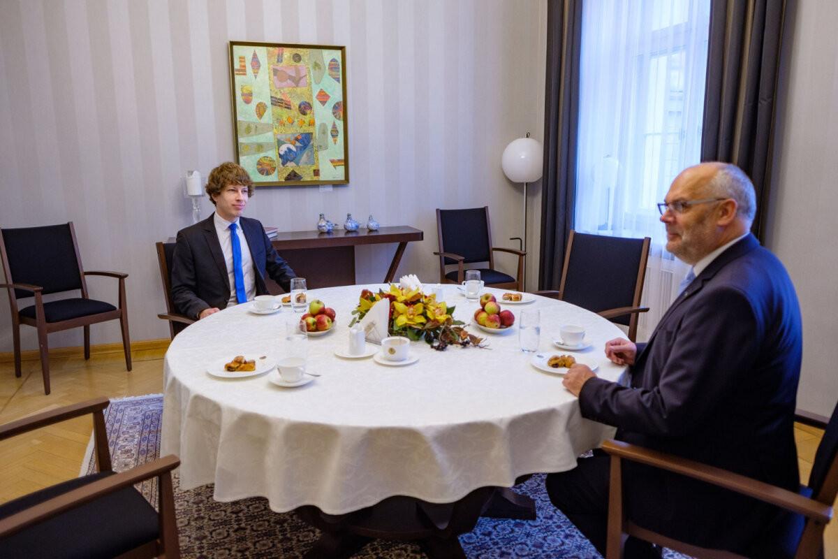 ФОТО | Президент Карис на встрече с Кийком и Научным советом: это проблема не только Минсоцдел, но и всего государства