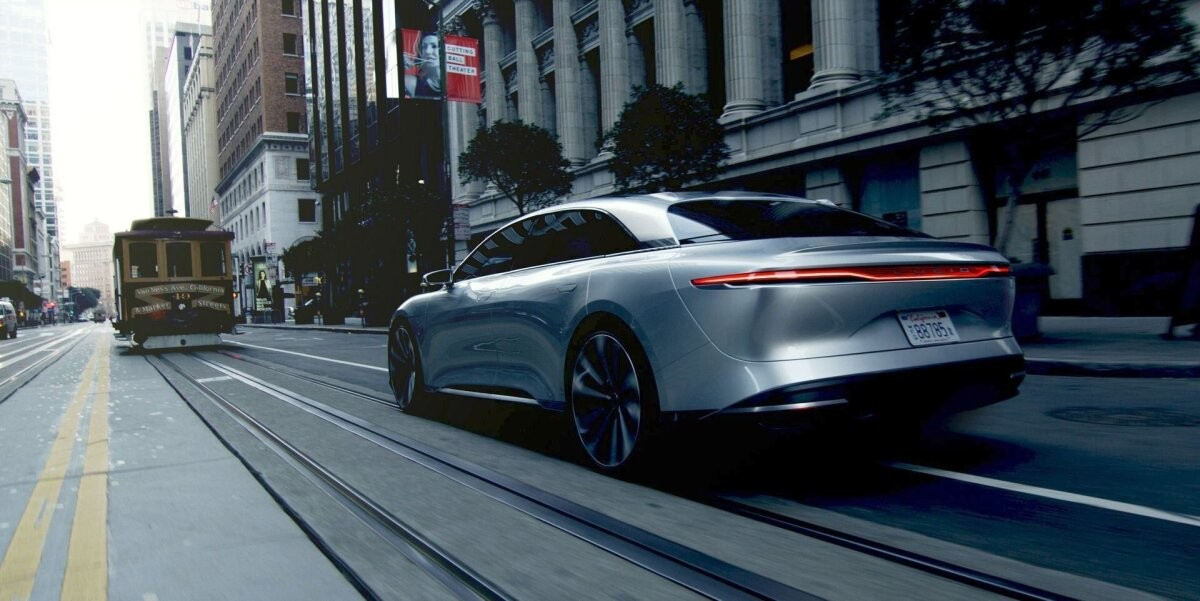 Lucid Motors вышла на рынок, и акции Tesla упали