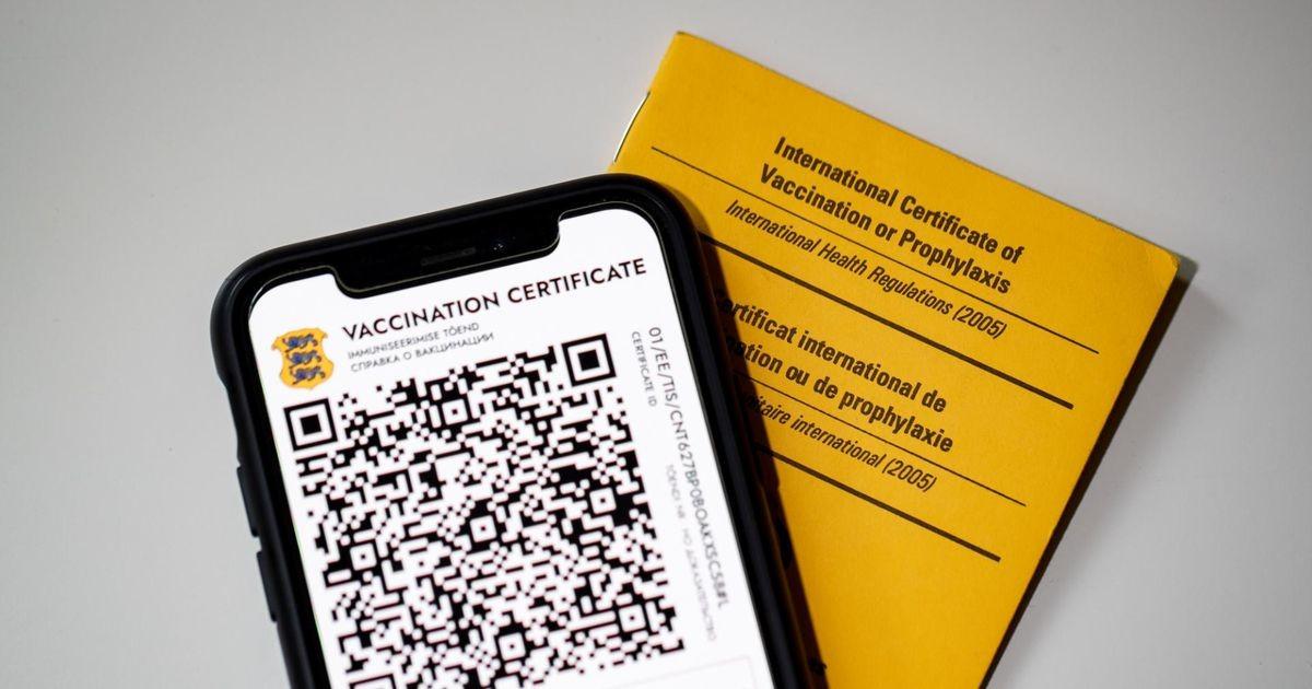 Может ли вакцинированный потерять свой сертификат, если все-таки заразился?