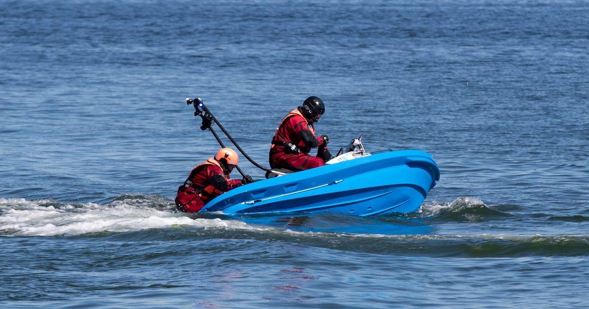 Уснувший на гидроцикле мужчина не проснулся и при появлении полицейской лодки