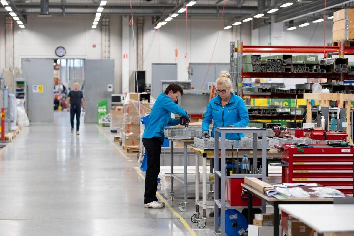 Промышленные предприятия стали производить больше продукции