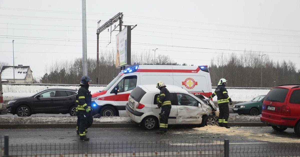 В Таллинне столкнулись четыре автомобиля, движение нарушено