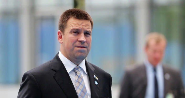 """Скажи-ка, Юри: спикера парламента Эстонии закидали """"неудобными"""" вопросами"""