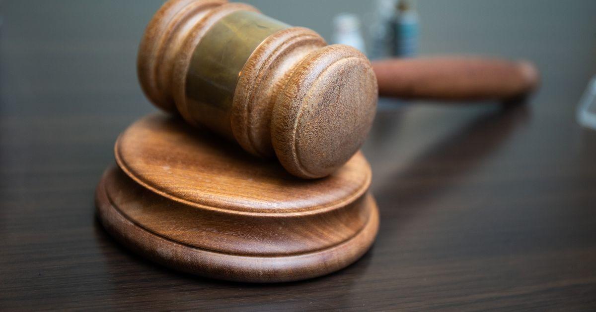 Картина дня: суд над родителями, несчастный случай в Силламяэ и очередная жертва мошенников