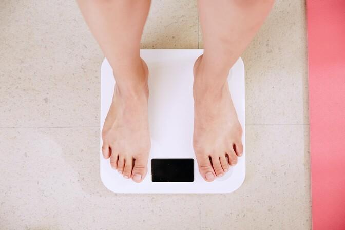 Весной вес всех людей увеличился на несколько сотен микрограммов