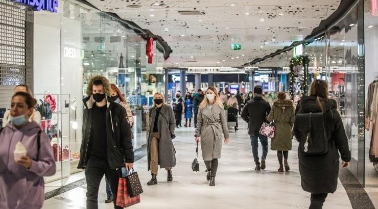 СМИ: правительство думает снова закрыть торговые центры