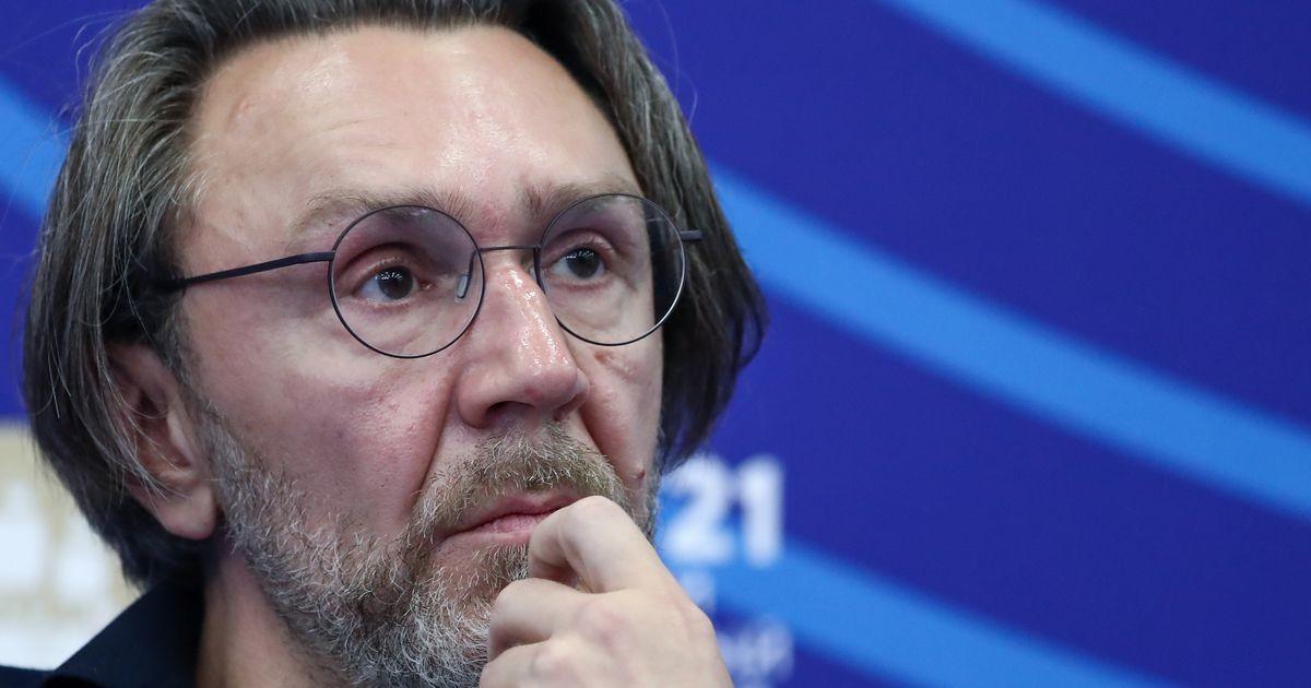 «Молодец»: директор МакSим похвалила Шнурова за стихотворение о смерти певицы