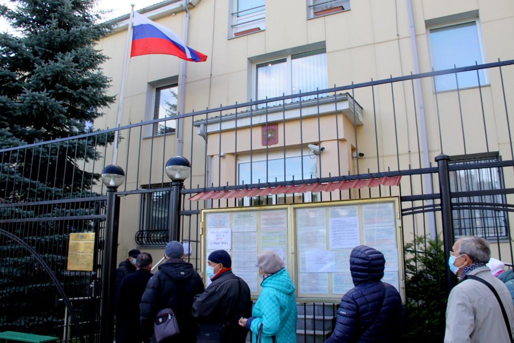 В Нарве проходят российские выборы
