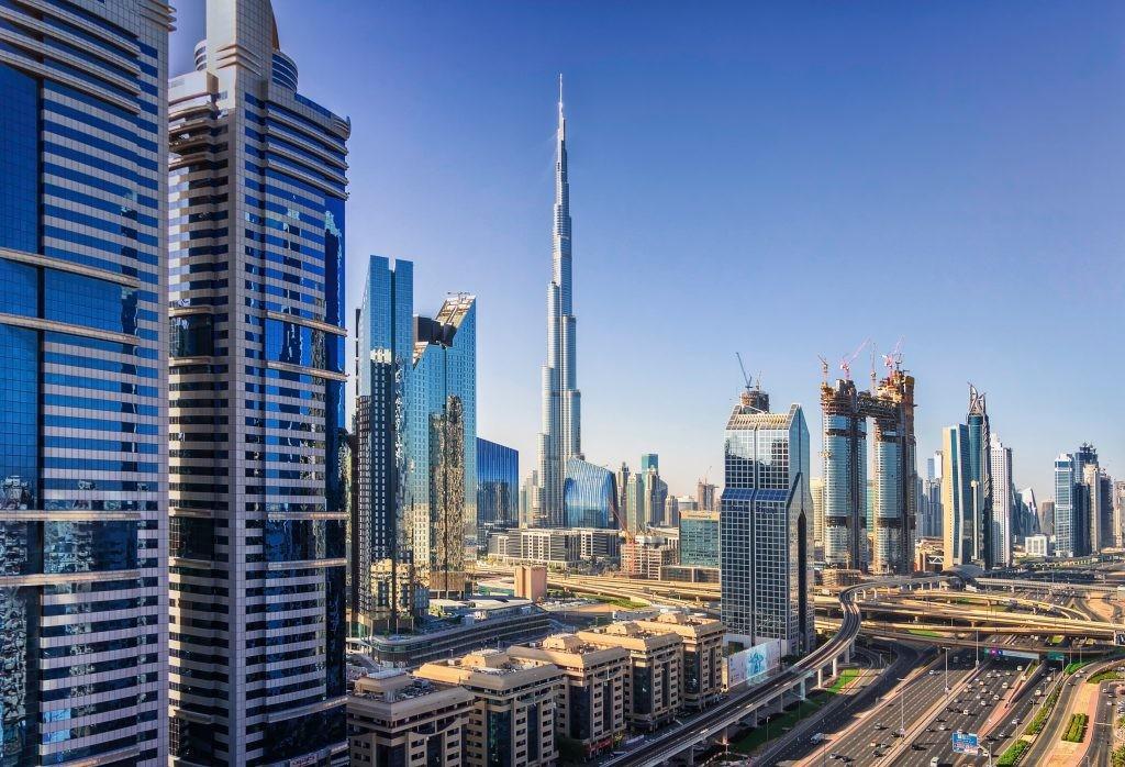 План на осень: airBaltic начнет полеты из Риги в Дубай