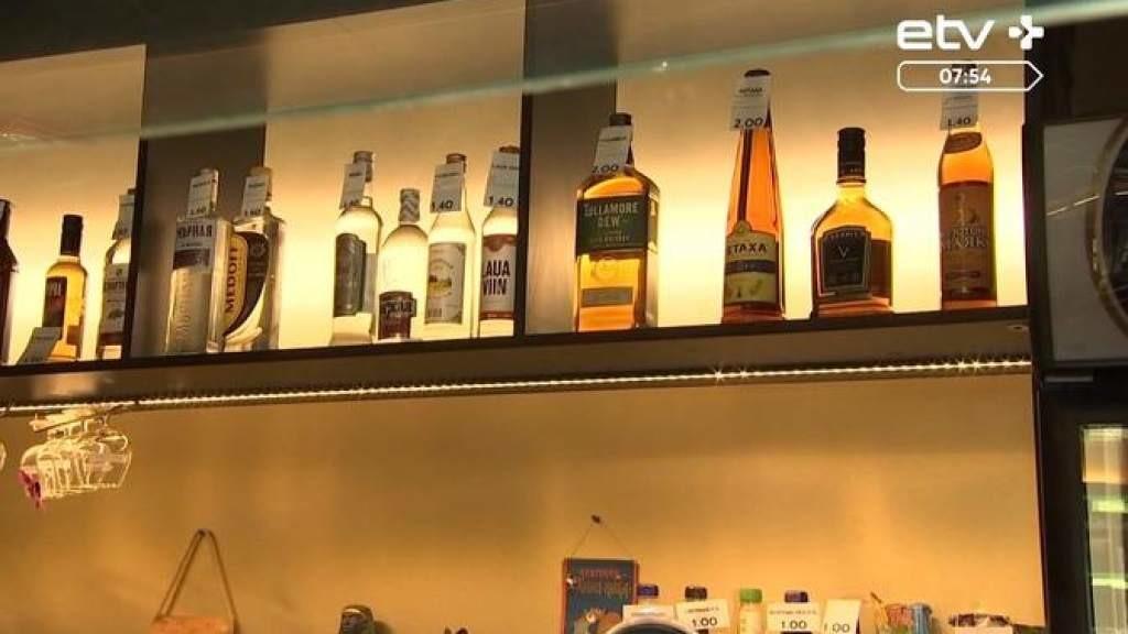 Проверка в Пярну: в трех магазинах продали алкоголь несовершеннолетним