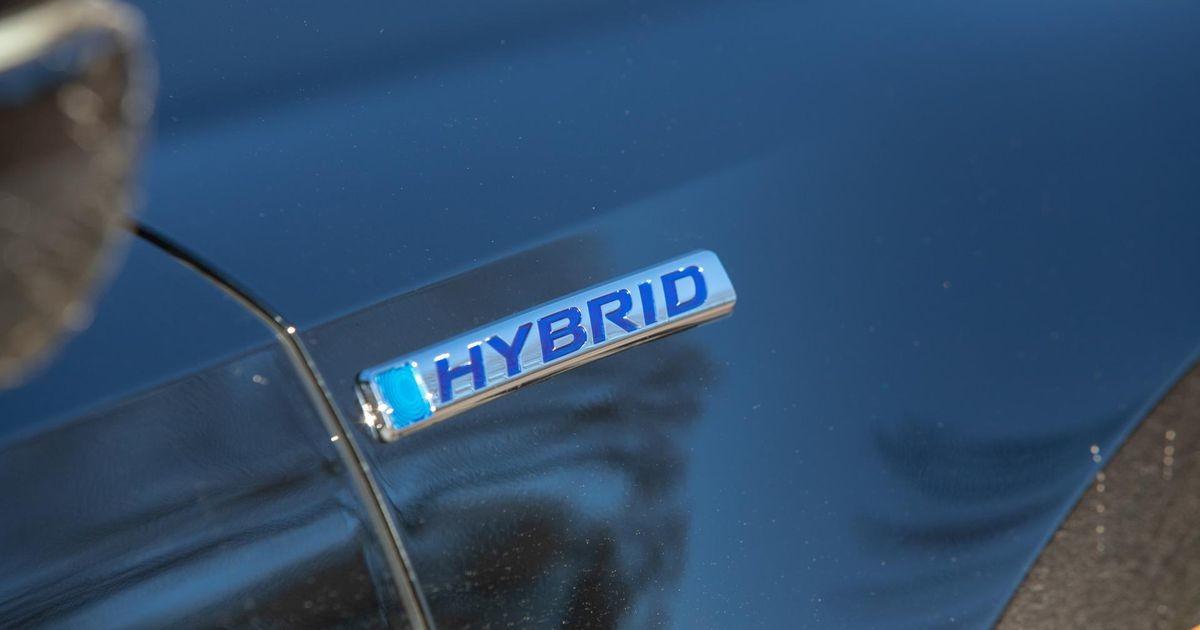 Опрос: жители Эстонии в качестве следующего автомобиля хотят гибрид