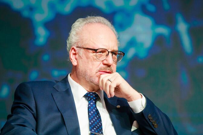 Президент Латвии отменил встречу с Карисом: экспресс-тест на коронавирус оказался положительным