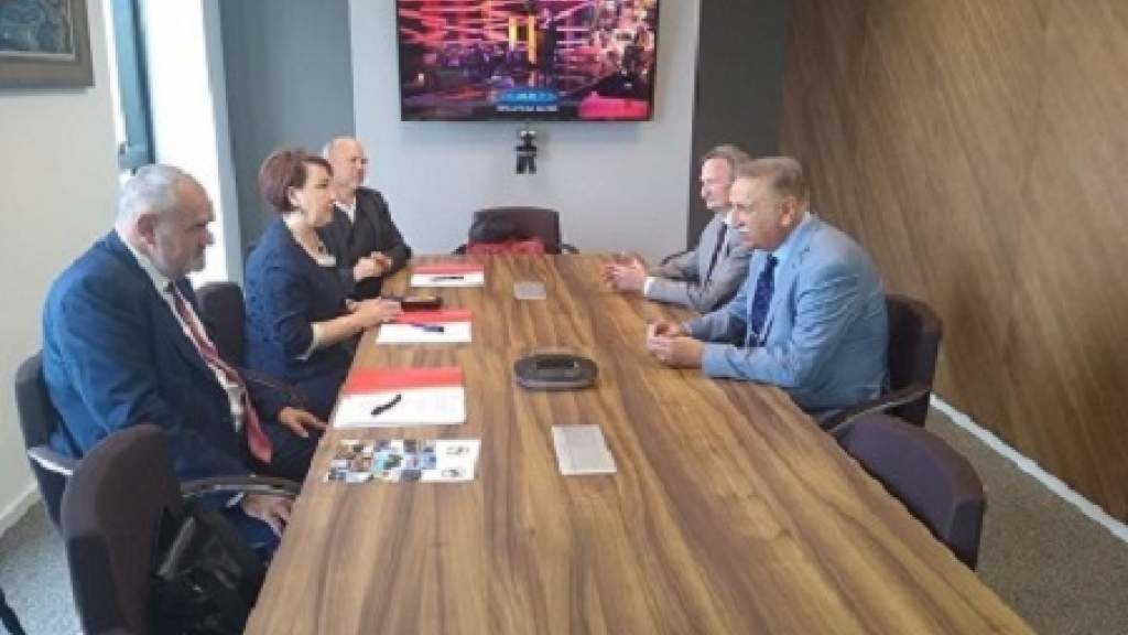 На сербском телевидении будет транслироваться программа «Окно в Россию»