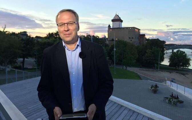 Сергей Степанов о появлении в Нарве электросамокатов: хотели как лучше, а получилось как всегда