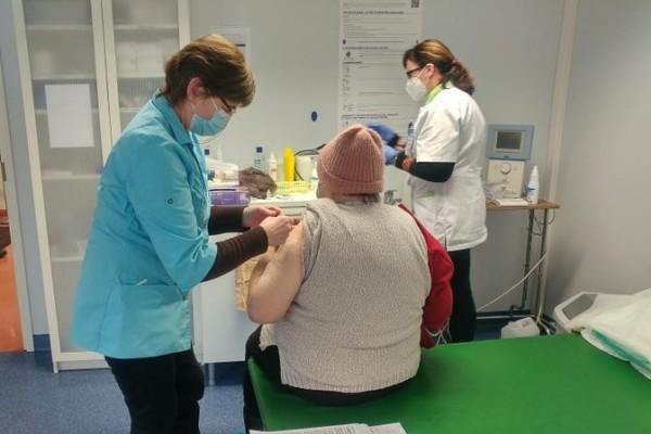 Трудовая инспекция: решение о вакцинации работника – в компетенции работодателя