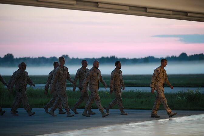 ФОТО: покинувшие Афганистан эстонские военные вернулись на родину
