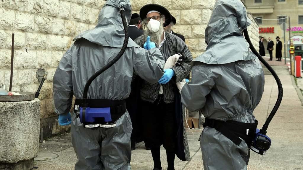 В бою с противниками вакцинации Израиль готов использовать антиковидный генетический сканер