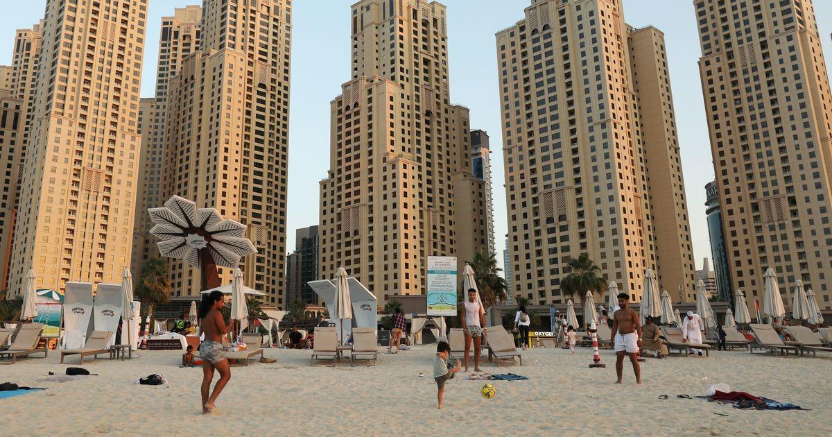 Очередь за солнцем: куда людям удалось улететь и есть ли шансы на отпуск