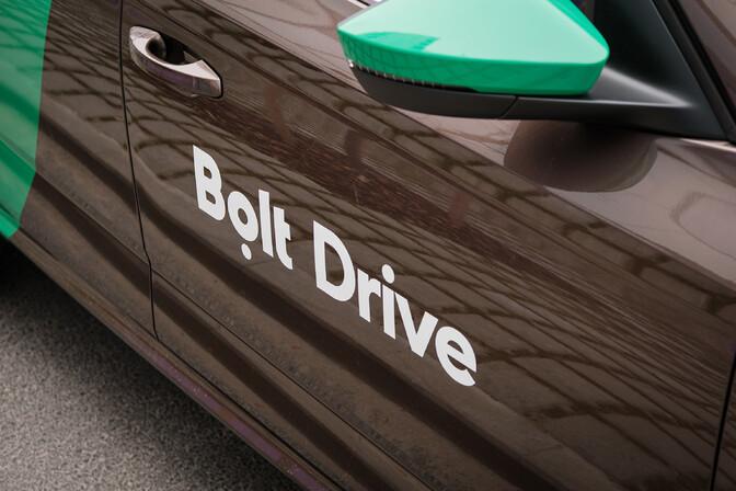 Bolt Drive теперь предлагает аренду электромобилей и микроавтобусов