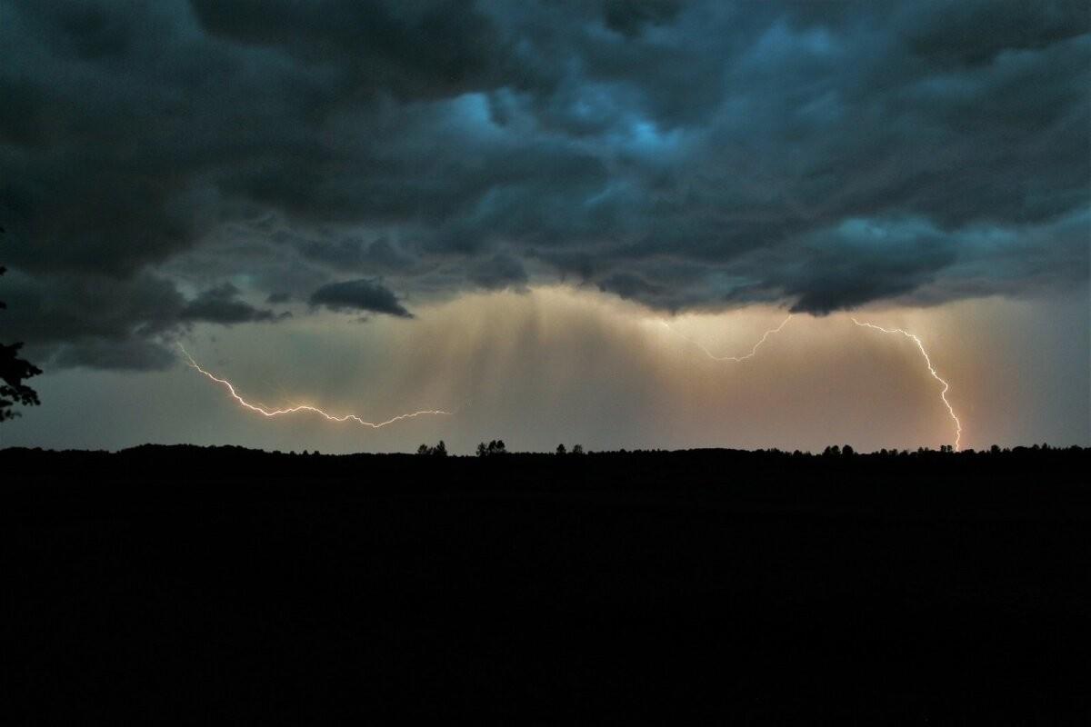 Метеослужба предупреждает: уже сегодня во многих местах ожидаются грозы