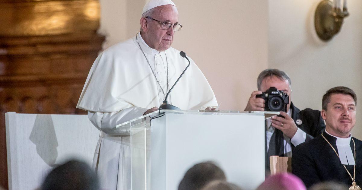 Папа римский Франциск поддержал легализацию однополых браков