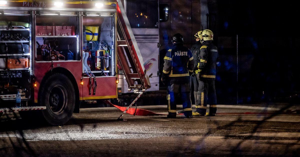 В Таллинне в многоквартирном доме вспыхнул пожар: двух человек доставили в больницу