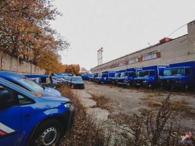 В Москве обнаружили «кладбище» машин Почты России