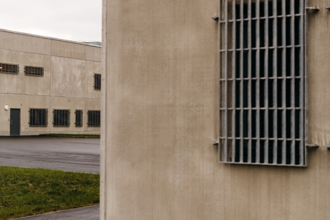 В Вируской тюрьме коронавирус выявлен уже у 165 заключенных