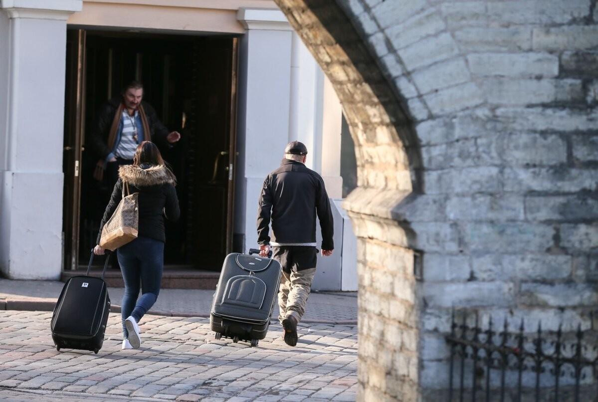 Предприятия по размещению лишились половины туристов