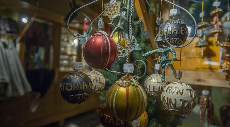 Ковид украл Рождество. Как коронавирус оставил Европу без главного праздника года