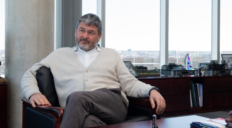 Возобновление производства на купленном Олегом Осиновским заводе Dzintars откладывается
