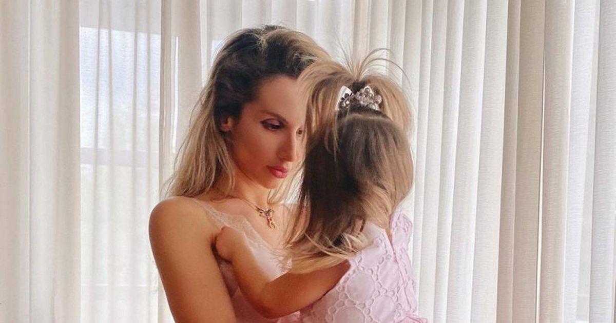 «В этих маленьких объятиях моя большая сила»: Светлана Лобода поделилась фото с дочкой