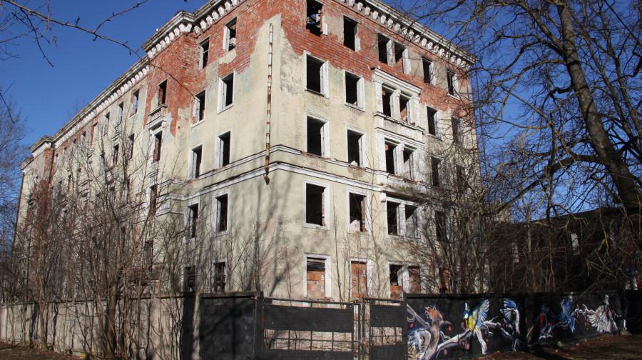 Бюджет Нарвы уменьшился, но бывшее общежитие на Космонауди решено приобрести
