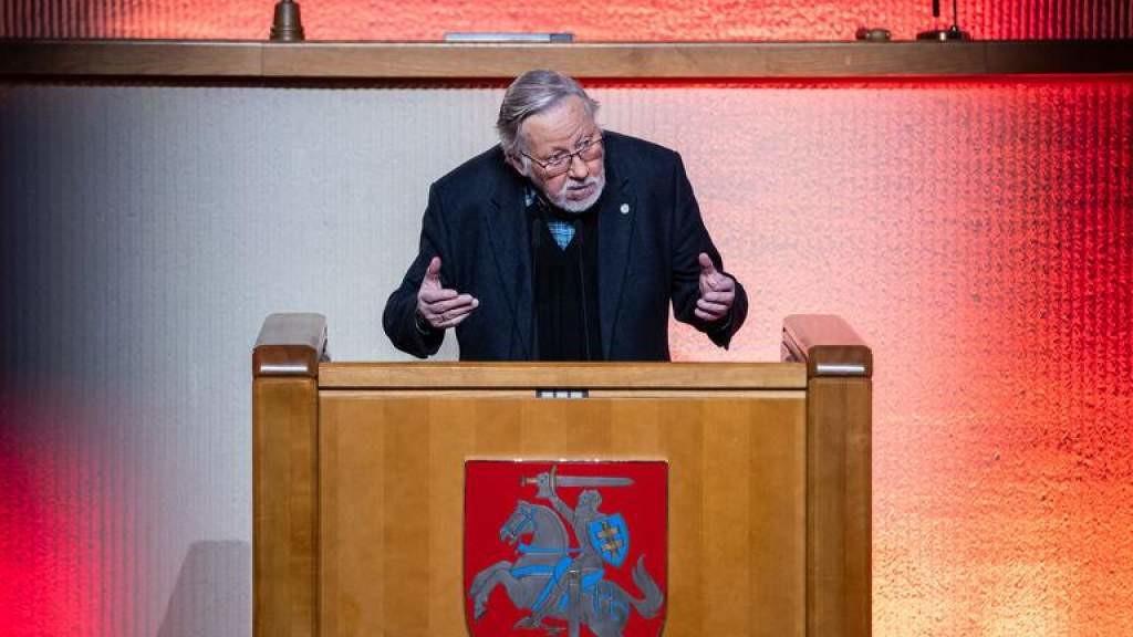 В. Ландсбергис: красная империя лжи сломалась в Литве