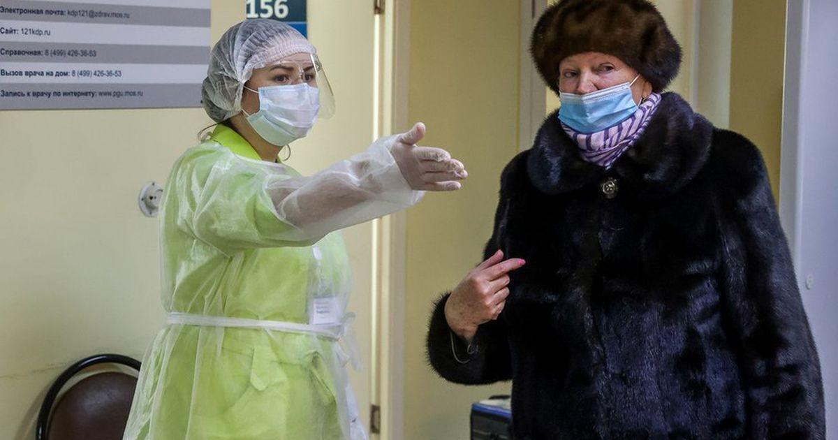 Коронавирус в России: Путин поручил начать вакцинацию всех россиян