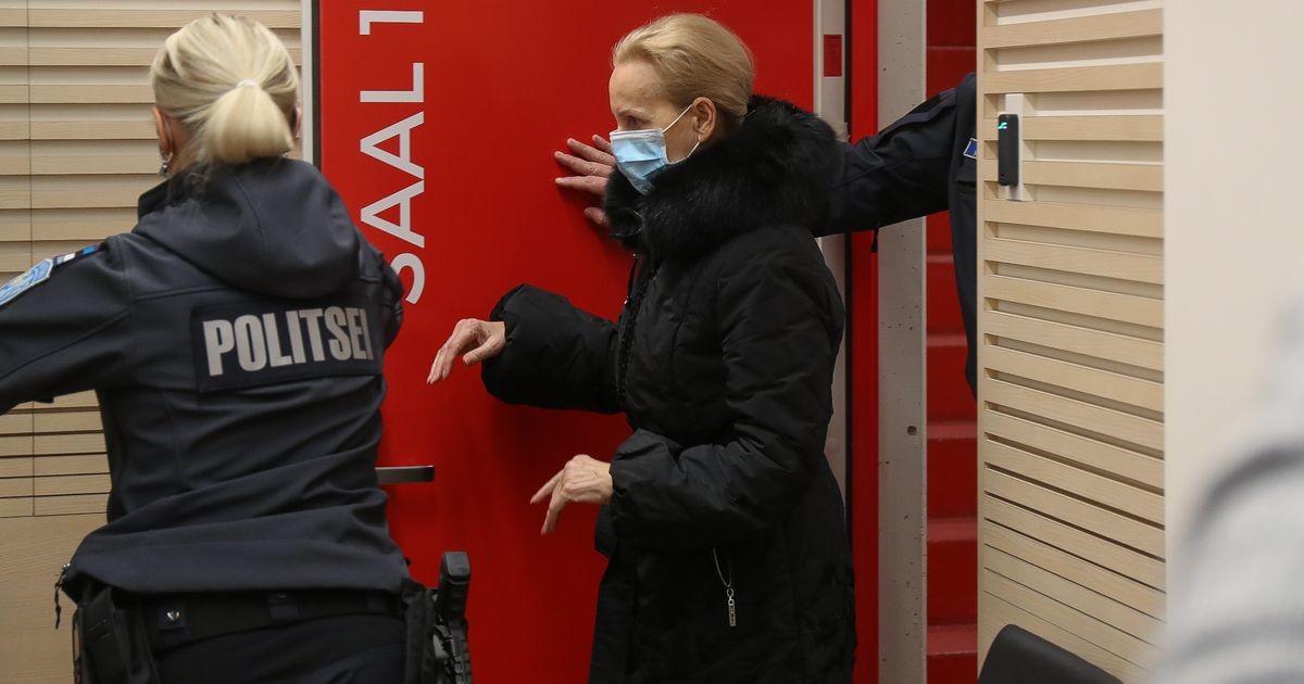 Суд выдал санкции на арест Хиллара Тедера и Керсти Крахт