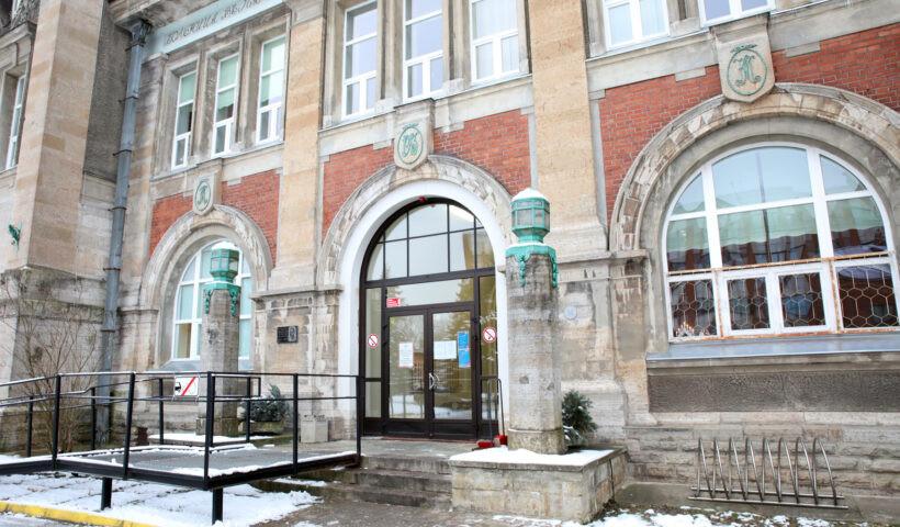 Кризисный штаб Нарвской больницы изменяет работу хирургического отделения в связи с распространением коронавируса