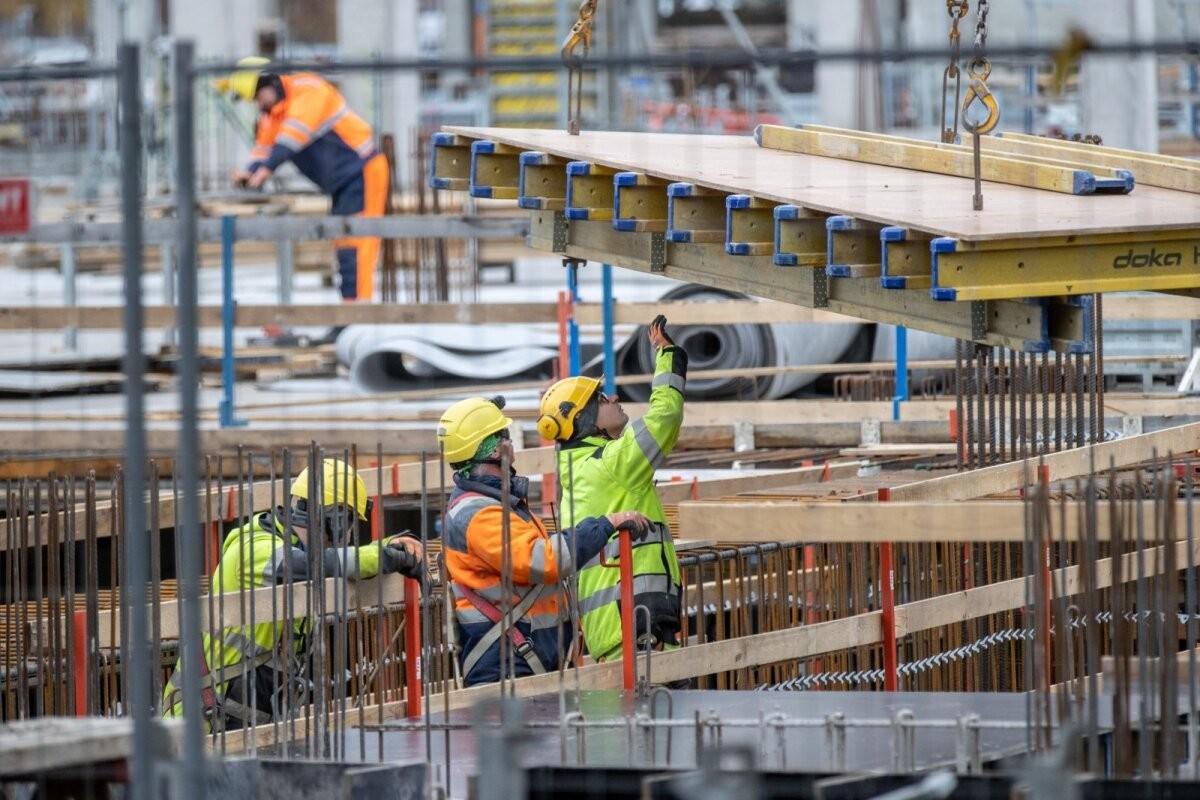 В Эстонии сейчас 28 000 иностранных работников, подавляющее большинство из Украины