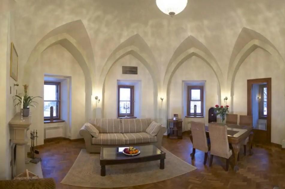План на выходной: заночевать в многовековой башне Старого города