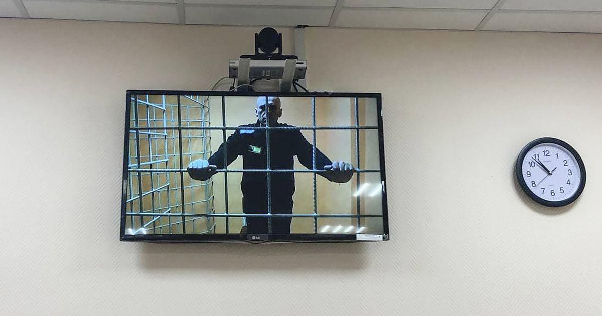 Алексея Навального перевели из больницы обратно в колонию
