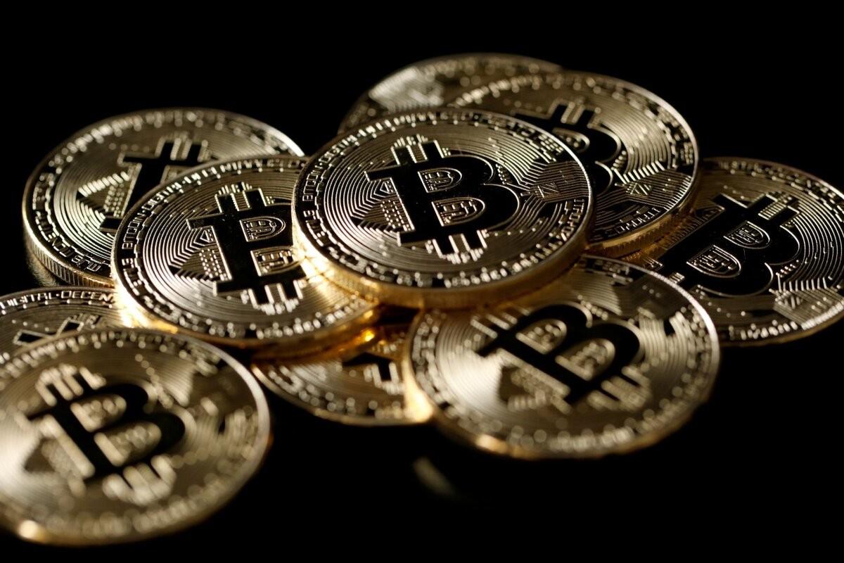 Эксперты не исключают падение биткоина до 20 000 долларов