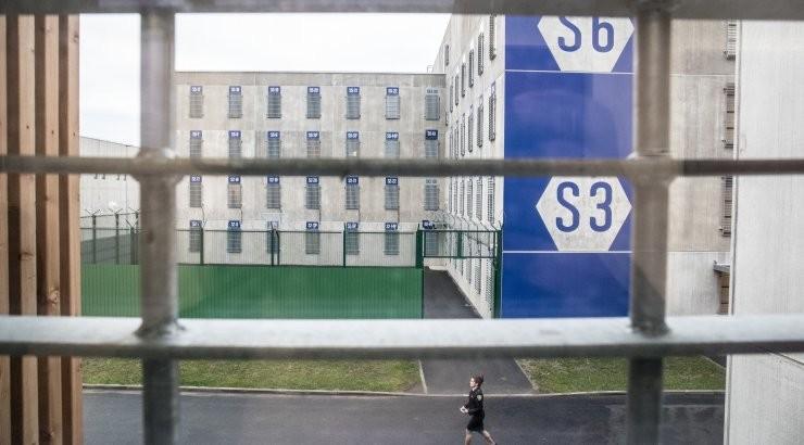 """""""В мои планы не входит вешаться на оконной решетке"""". Алексей Навальный записал новое обращение из СИЗО"""