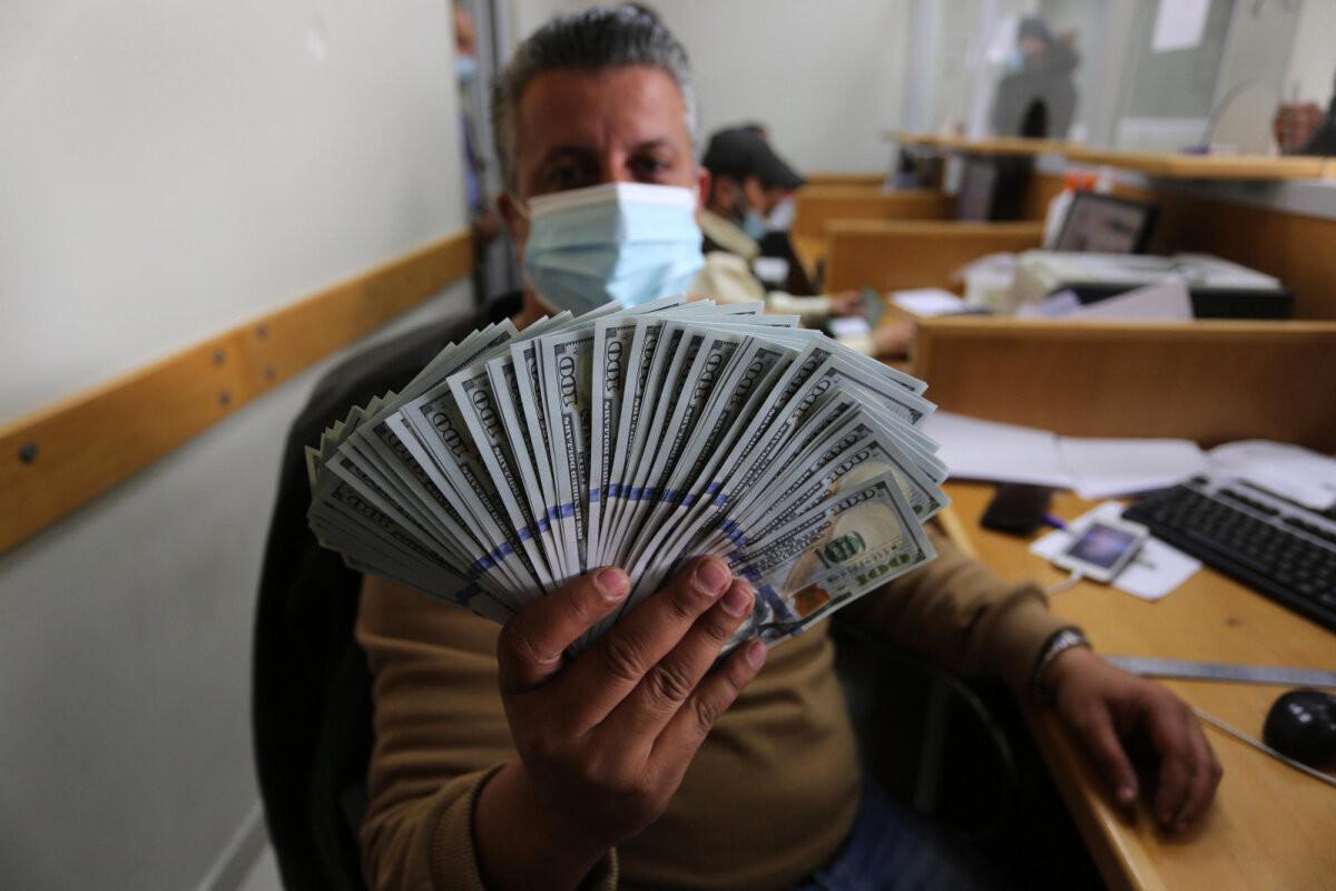"Катар ""слил"" миллионы долларов террористам Аль-Каиды"