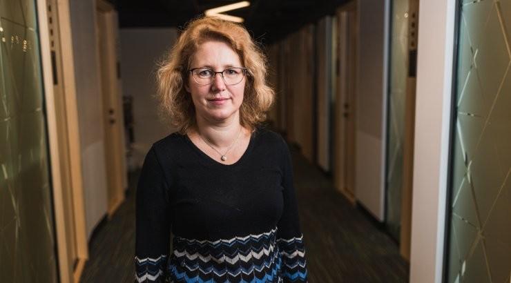 Криста Фишер: надо установить жесткие ограничения на месяц