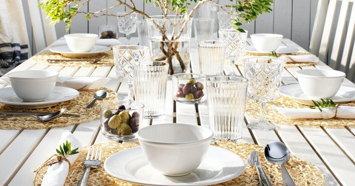 Безупречная сервировка стола: как правильно сочетать столовые приборы и посуду