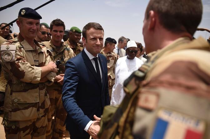 Франция пригрозила вывести войска из Мали, если в стране появятся российские наемники