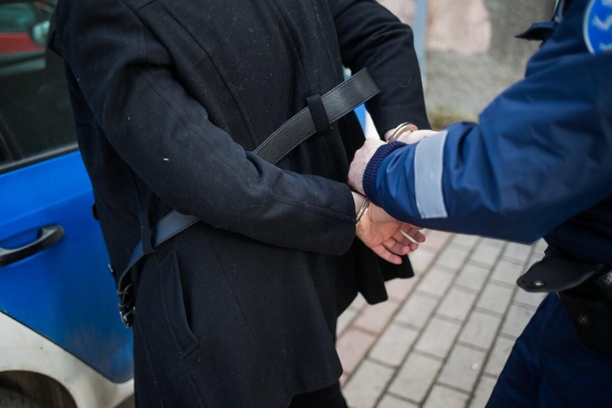 В магазине в Ласнамяэ мужчина устроил драку и украл алкоголь