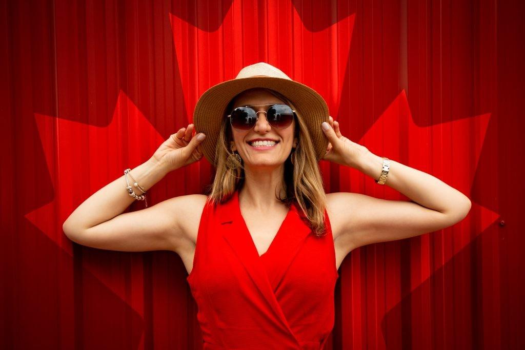 В Таллиннском ботаническом саду пройдет «красное» мероприятие — посетителей приглашают прийти в красной одежде